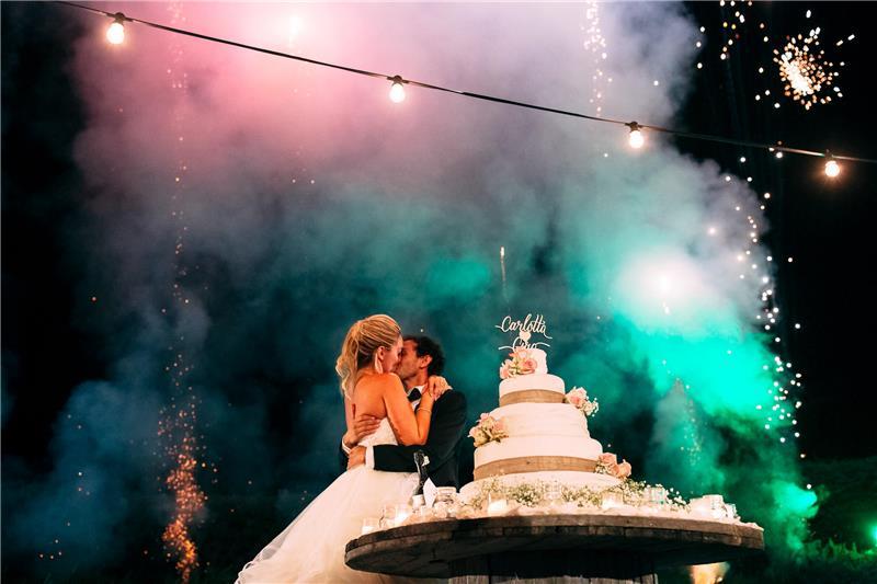 red_wedding_cake_and_fireworks.jpg