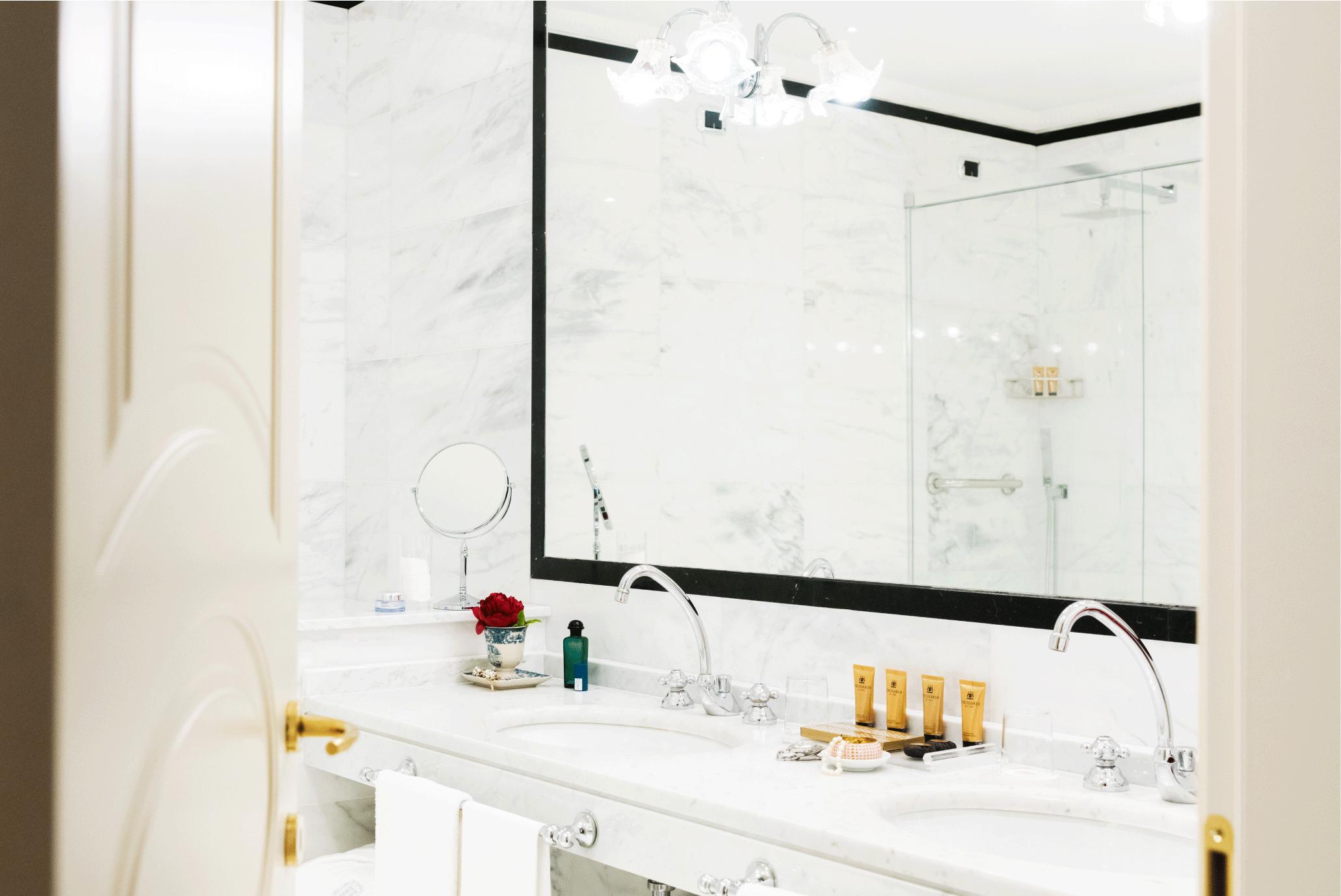Bathroom-Suite-high-def.png