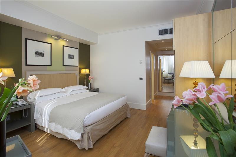 red_starhotels_tuscany_fi_deluxe_executive_8.jpg