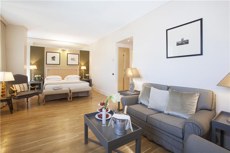 red_starhotels_tuscany_fi_junior_suite__5_.jpg
