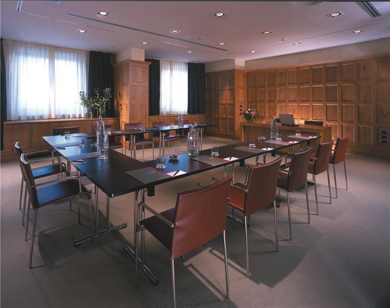 red_starhotels_tuscany_fi_maremma_meeting_room.jpg