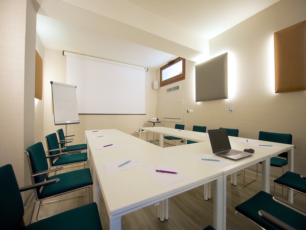 10_Meeting Room.jpg